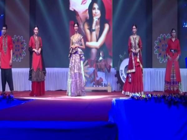 A khadi fashion show was organised on the occasion of UP Divas in Lucknow on Sunday (Photo/ANI)