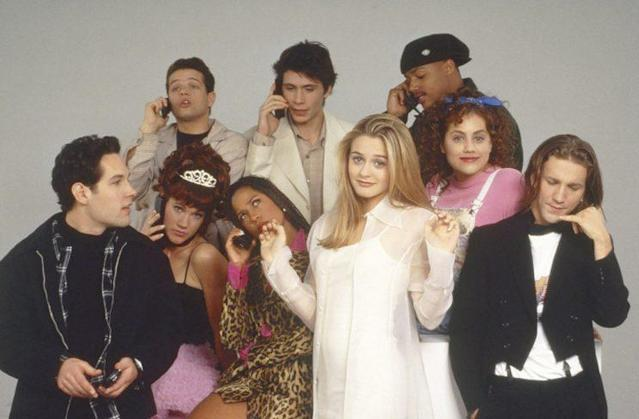 'Clueless' cast photo: (From left) Paul Rudd, Justin Walker, Elisa Donovan, Jeremy Sisto, Stacey Dash, Alicia Silverstone, Donald Faison, Brittany Murphy, Breckin Meyer (Photo: Paramount/courtesy Everett Collection)
