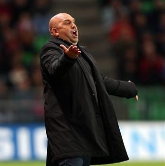 French yeadcoach of Rennes, Frederic Antonetti reacts during his french League One soccer match against Lille in Rennes, western France, Friday, Sept. 28, 2012. (AP Photo/David Vincent)