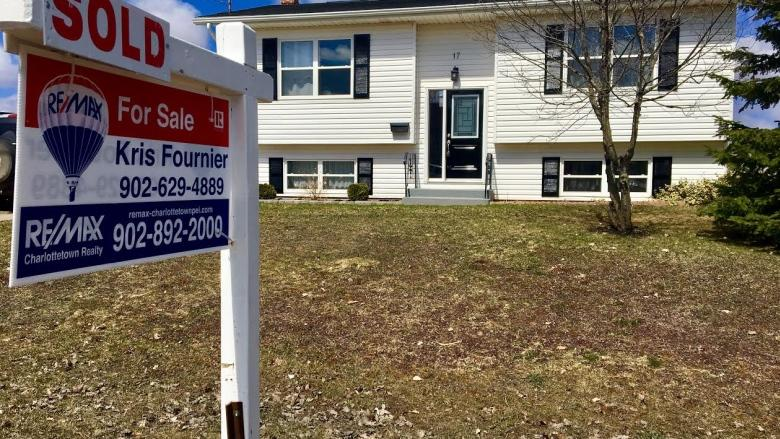 Wanna sell your house? Charlottetown realtors try different strategy