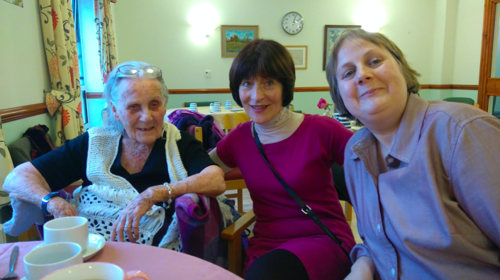Joy Andrew (left) was placed on end-of-life care after being struck by coronavirus. (SWNS)