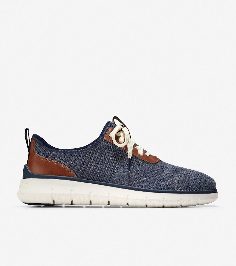 """<p><strong>Cole Haan</strong></p><p>colehaan.com</p><p><strong>$100.00</strong></p><p><a href=""""https://go.redirectingat.com?id=74968X1596630&url=https%3A%2F%2Fwww.colehaan.com%2Fgeneration-zerogrand-navy-blue-stitchlite%2FC31403.html&sref=https%3A%2F%2Fwww.seventeen.com%2Flove%2Fdating-advice%2Fadvice%2Fg606%2Fboyfriend-gifts%2F"""" rel=""""nofollow noopener"""" target=""""_blank"""" data-ylk=""""slk:Shop Now"""" class=""""link rapid-noclick-resp"""">Shop Now</a></p><p>Two-tone kicks will go with any outfit he pulls out of his closet. </p>"""