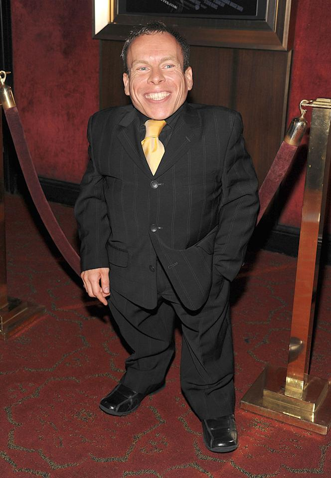 """<a href=""""http://movies.yahoo.com/movie/contributor/1800062808"""">Warwick Davis</a> at the New York premiere of <a href=""""http://movies.yahoo.com/movie/1809791044/info"""">Harry Potter and the Half-Blood Prince</a> - 07/09/2009"""
