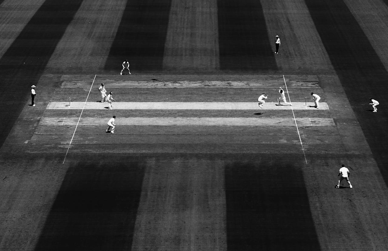 MELBOURNE, AUSTRALIA - DECEMBER 26: (EDITORS NOTE: Image has been converted to black and white.) A general view of play during day one of the Second Test match between Australia and Sri Lanka at the Melbourne Cricket Ground on December 26, 2012 in Melbourne, Australia.  (Photo by Ryan Pierse/Getty Images)