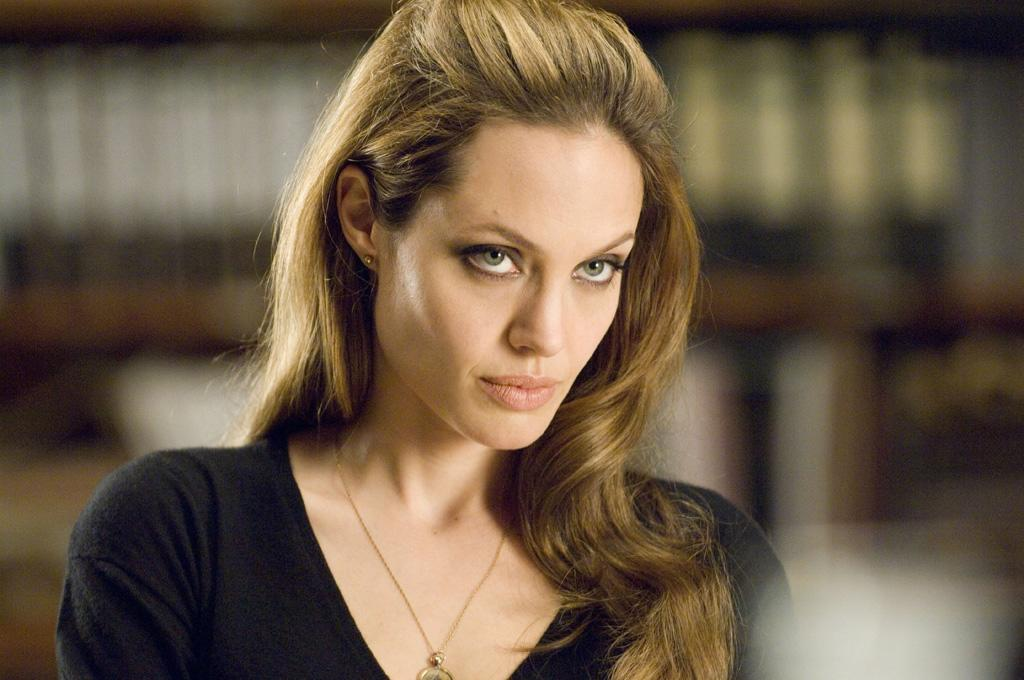 """<a href=""""http://movies.yahoo.com/movie/contributor/1800019275"""">ANGELINA JOLIE</a>  Action: <a href=""""http://movies.yahoo.com/movie/1800394986/info"""">Wanted</a>, <a href=""""http://movies.yahoo.com/movie/1808623299/info"""">Mr. & Mrs. Smith</a>  Romance: <a href=""""http://movies.yahoo.com/movie/1807799951/info"""">Life or Something Like It</a>   Angelina is intense. Her on-screen presence is like a tightly-coiled spring ready to burst out at any moment. It makes her formidable, and it helps you believe that someone her size could beat down a guy who towers over her. It doesn't let her fit in the mold of a bouncy chick flick star, however. In """"Life or Something Like It,"""" she would've looked out of place even without the platinum-blond helmet hair.   VERDICT: Action"""