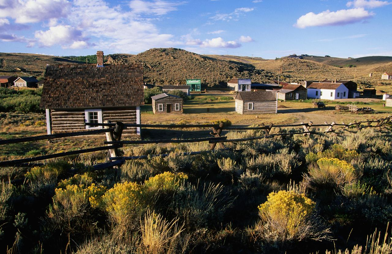 13 of the spookiest ghost towns in america for Best mountain towns to live and work