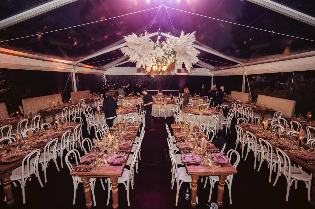 """Held in the Haywoods' tented backyard, the event raised over $650,000 for <a href=""""https://www.stjude.org"""">St. Jude</a>, which will help ensure that families never receive a bill from the hospital for treatment, travel, housing or food.  """"It was a privilege to spend last night with friends who so generously supported St. Jude,"""" said Dave Haywood. """"St. Jude is saving lives every single day and their work will significantly impact many generations to come.""""  Curated's host committee included Caleb Followill and Lily Aldridge, Kelly and Matt Bolus, Cassie and Charles Kelley, Ann and Tim Brinkmann, Kelly and Mark Lombardi, Kelli and Dave Haywood, Hillary Scott and Chris Tyrrell."""