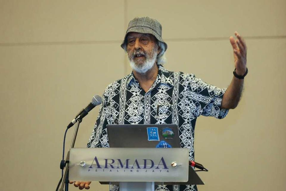 Cetdem chairman Gurmit Singh speaks during the 12th Annual Climate Change Forum 2019 in Petaling Jaya June 25, 2019. ― Picture by Yusof Mat Isa