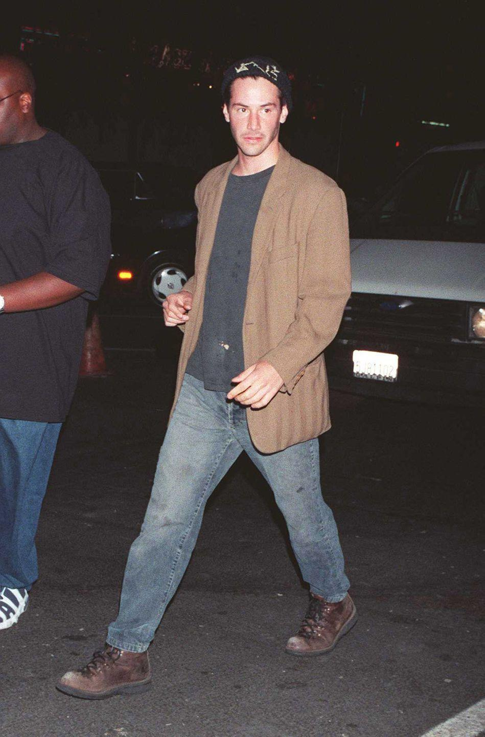 """<p>Keanu Reeves arrives at the Viper Room where he is to perform with his band """"Dogstar"""" on May 21, 1997..</p>"""