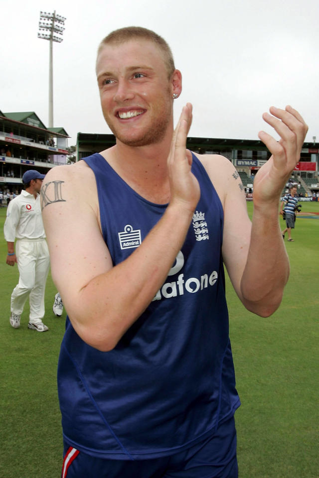 PORT ELIZABETH, SOUTH AFRICA - DECEMBER 21:  Andrew Flintoff of England celebrates on the field as England win the first Test Match between South Africa and England at St.Georges Park on December 21, 2004 in Port Elizabeth, South Africa. (Photo by Clive Rose/Getty Images)   *** Local Caption *** Andrew Flintoff