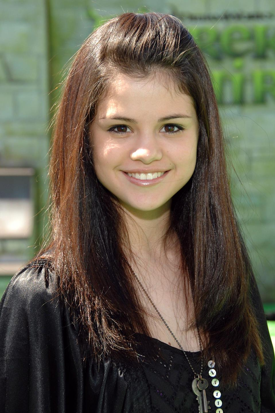<p>A fresh-faced Selena attended the LA premiere of <b>Shrek the Third</b>.</p>