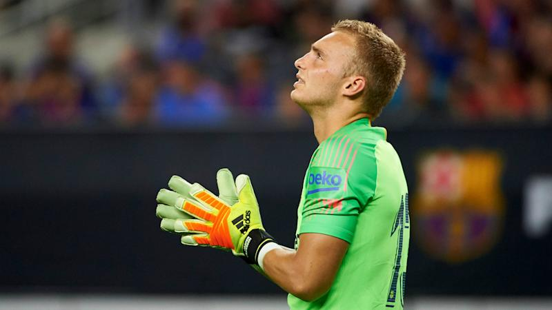 Cillessen wants to leave Barcelona this summer