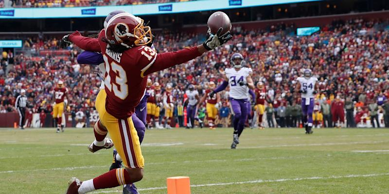 Vikings' offense runs wild against Redskins in 38-30 victory