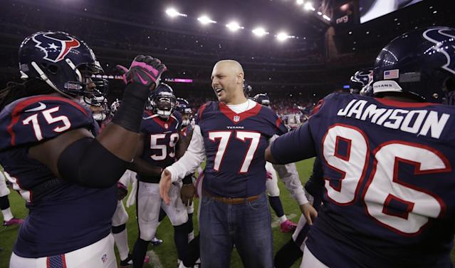 Houston Texans offensive lineman David Quessenberry has finished his chemotherapy and is attempting to make the roster. (AP)