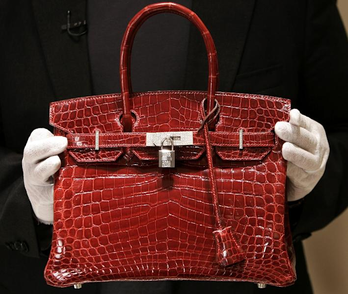 "A $129,000 crocodile-skin Hermes ""Birkin"" bag is pictured on June 21, 2007 (AFP Photo/)"