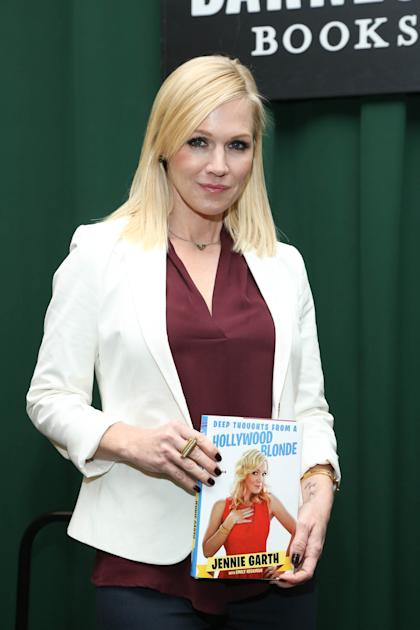 Garth promoting her memoir. (Getty Images)