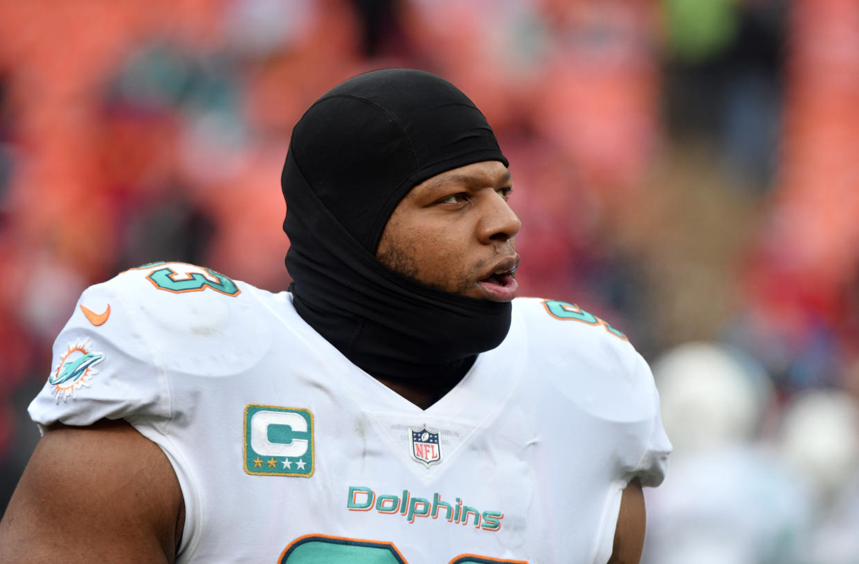 Former Miami Dolphins defensive tackle Ndamukong Suh has agreed to join the Rams. (AP)
