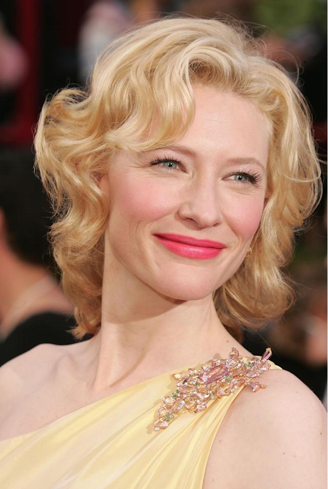<p>Cate Blanchett, nominated for Best Supporting Actress for her role in <em>The Aviator</em>, arrives at the 77th Academy Awards on Feb. 27, 2005, in Hollywood. (Photo: Carlo Allegri/Getty Images) </p>