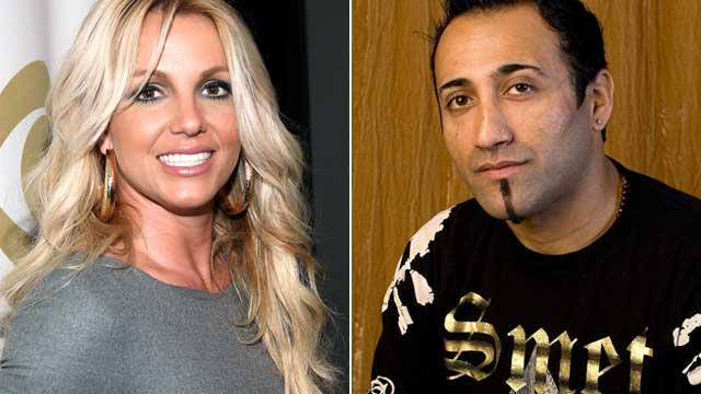 Britney Spears' Paparazzo Ex Recounts Their Romance