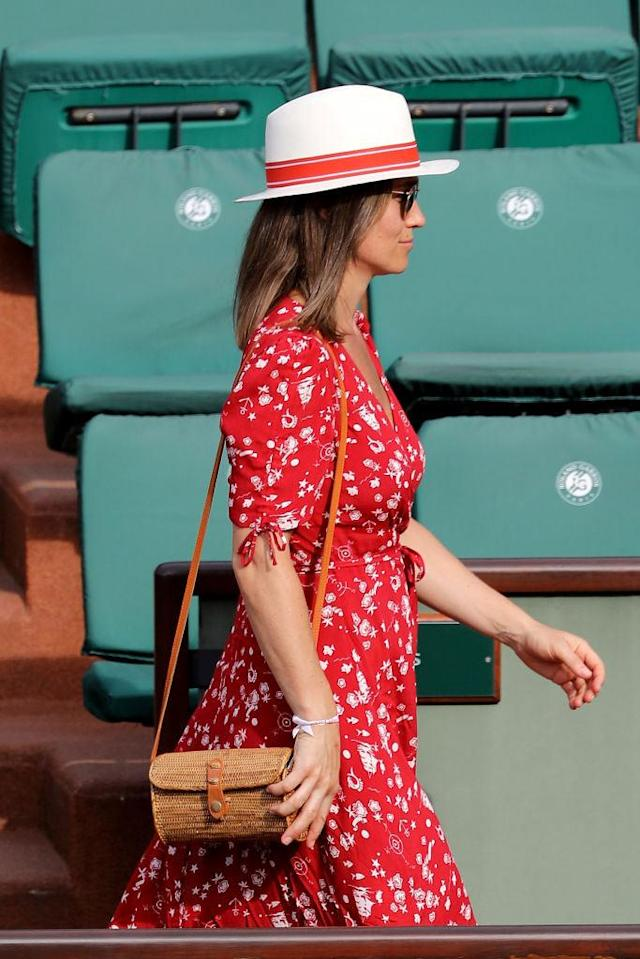 <p>A closer image of Middleton's woven crossbody bag at the French Open. (Photo: Stephane Cardinale/Corbis via Getty Images) </p>