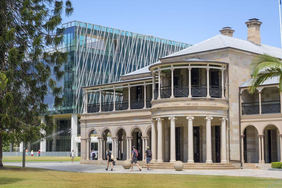 <p>The university is mostly based in Brisbane, with the main site bordered by the Brisbane River. The 1930s sandstone Cloister sits in the center of the school, and that includes the Great Court. The campus also has large swathes of lawns and three lakes, creating plenty of spaces for students to sit and reflect. </p>