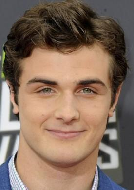 Austin Abrams and Beau Mirchoff Join Indie Drama 'Grass Stains'