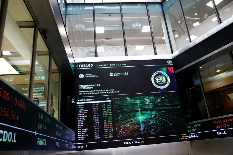 London Stock Exchange finds broad backing for shorter trading day