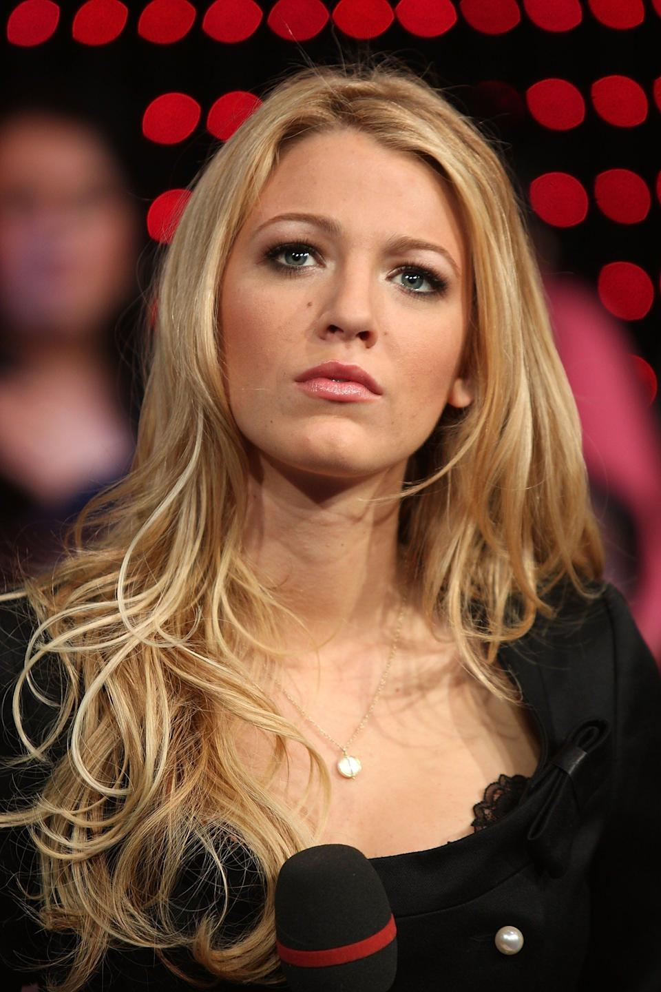 NEW YORK - OCTOBER 01:  (U.S. TABS OUT)  Actress Blake Lively appears onstage during MTV's Total Request Live at the MTV Times Square Studios on October 1, 2007 in New York City.  (Photo by Scott Gries/Getty Images)