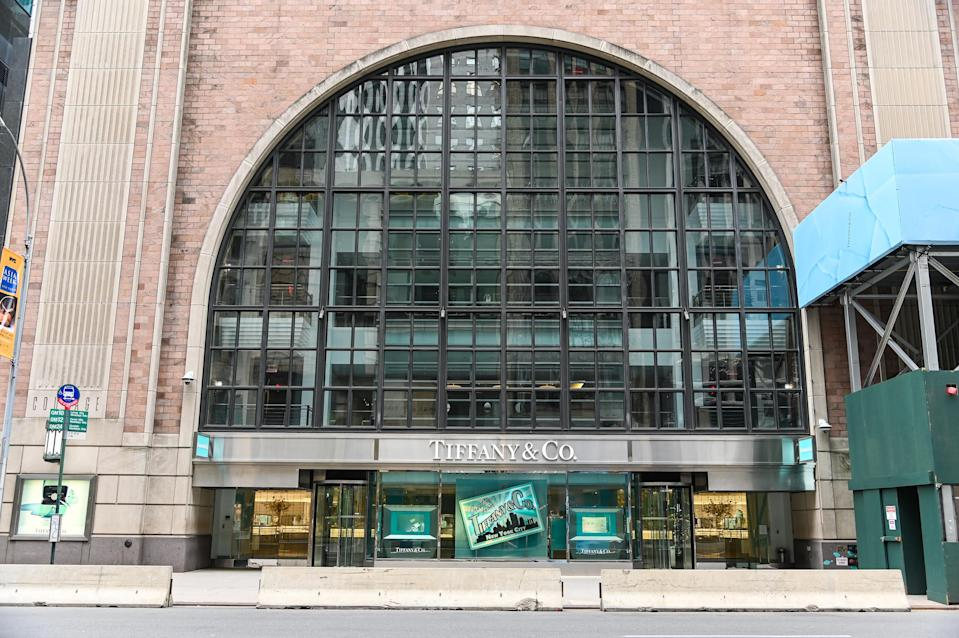 NEW YORK, NEW YORK - APRIL 23: Tiffany & Co.'s flagship store is closed during the COVID-19 pandemic on April 23, 2020 in New York City. COVID-19 has spread to most countries around the world, claiming over 190,000 lives with over 2.7 million cases confirmed. (Photo by Ben Gabbe/Getty Images)