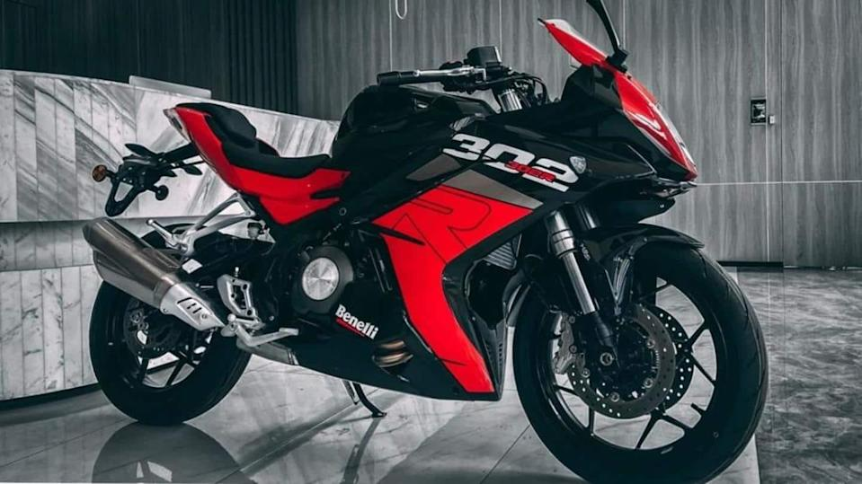 2021 Benelli 302R, with a new design and features, unveiled