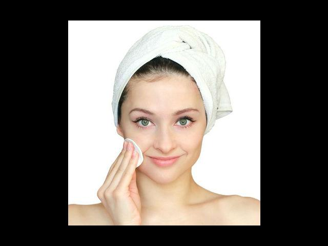 <b>Toner and cleanser</b><br>It is important to keep away the excess oil from your skin, so use blotting paper or face tissues to clean off that excess oil during the day. A mixture of vinegar and rose water, works as a wonderful toner for oily skin. Green tea and rose water toners also work quite effectively. Cleansing your face with milk is also an effective way of getting rid of oil. It is important to remember that all skin types need moisture, so always keep your face moisturised