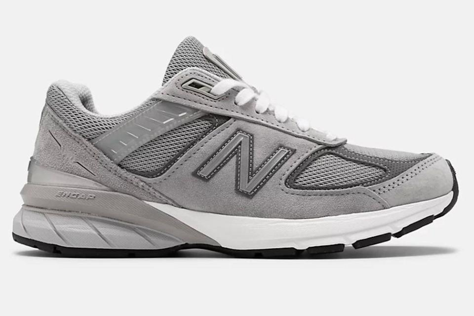 new balance, new balance dad shoes, new balance dad sneakers, dad shoes, dad sneakers, 2020 fashion trends