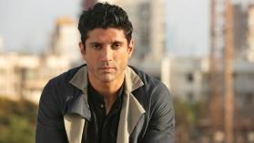 Farhan Akhtar creates 'Toofan' with his latest photo, check it out