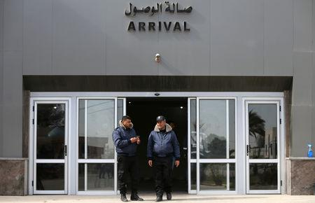 Palestinian Hamas-hired policemen stand at Rafah border crossing with Egypt, in the southern Gaza Strip January 8, 2019. REUTERS/Ibraheem Abu Mustafa