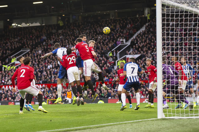 Dunk wins the header and powers it past De Gea (Photo by Daniel Chesterton/Offside/Offside via Getty Images)
