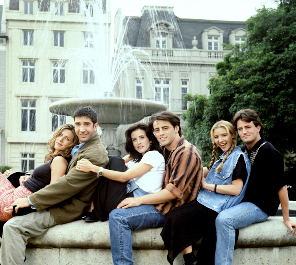 The cast of 'Friends' which celebrates its 25th anniversary this year (Photo: Warner Bros. / Courtesy: Everett Collection)