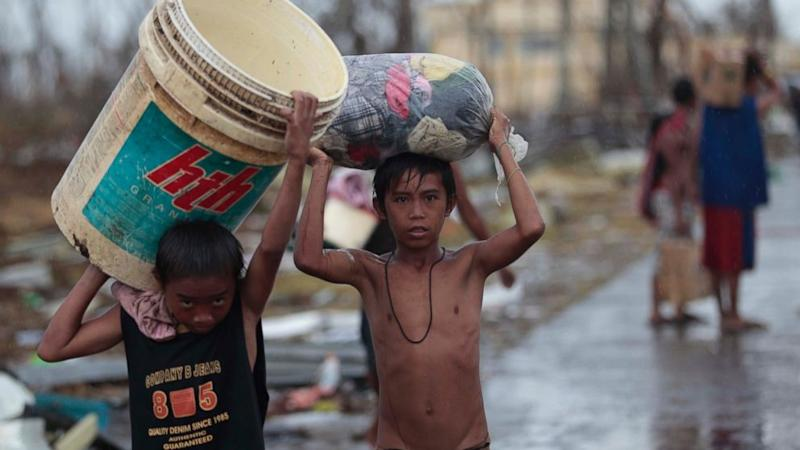 Philippine Government 'Paralyzed' by Typhoon Aftermath
