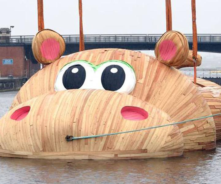 Hippo on the Thames
