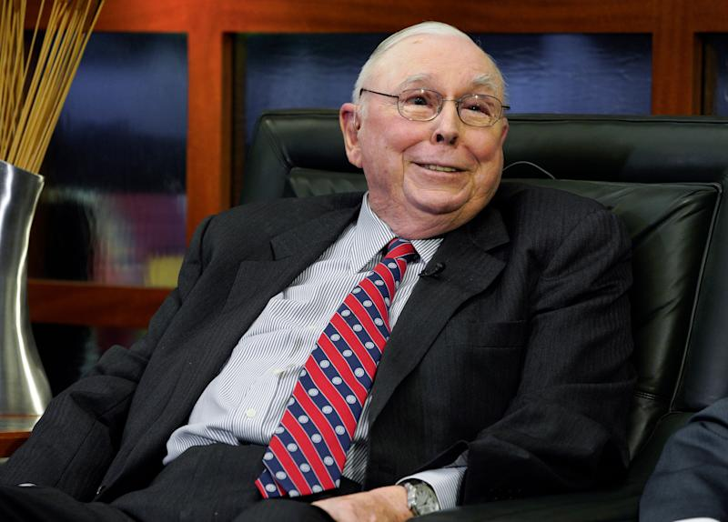 "Berkshire Hathaway Vice Chairman Charlie Munger smiles during an interview in Omaha, Neb., Monday, May 7, 2018, with Liz Claman on Fox Business Network's ""Countdown to the Closing Bell"". (AP Photo/Nati Harnik)"