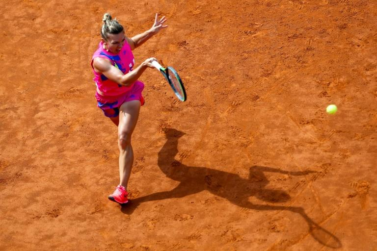 Halep closes in on first Rome title with semi-final berth