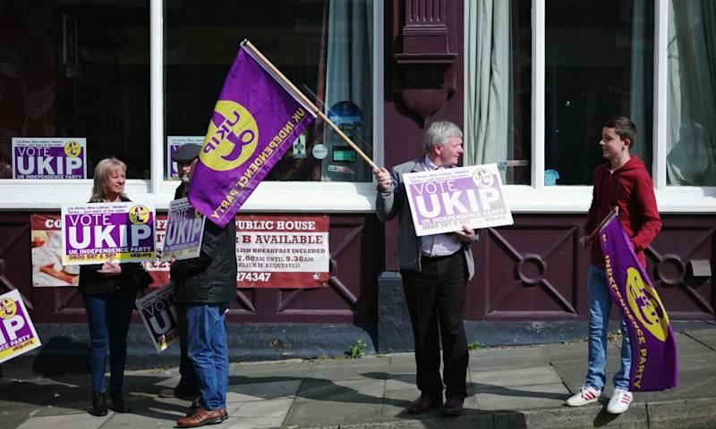 Ukip supporters wait for the arrival of party leader Paul Nuttall in Hartlepool .