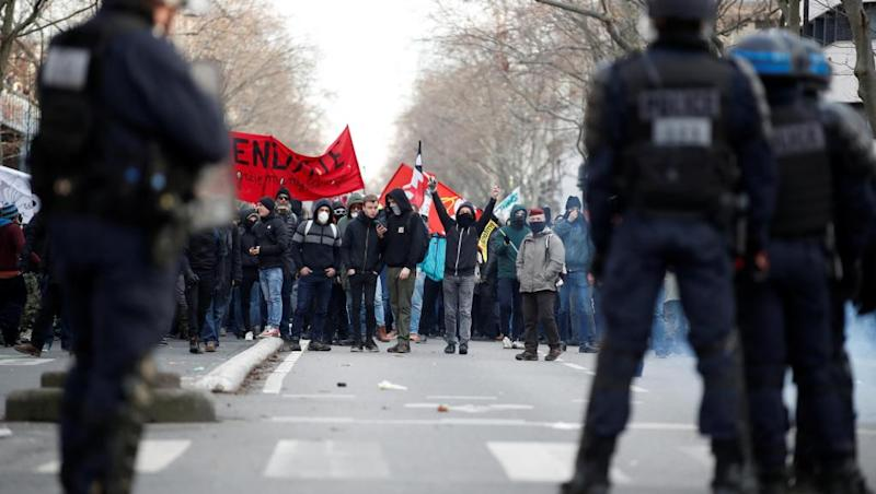Strikes to continue as French union remains 'determined' to stop pensions reform