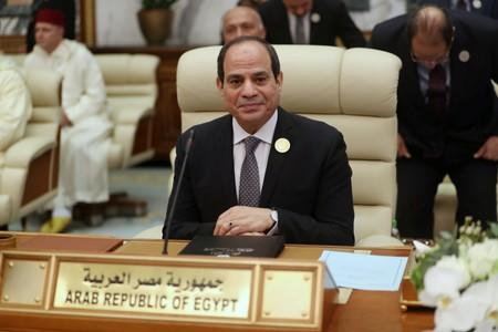 Sisi says Egypt will not accept anything against Palestinian wishes