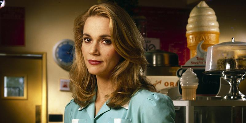 """""""Twin Peaks"""" Actress Peggy Lipton Dead at 72"""