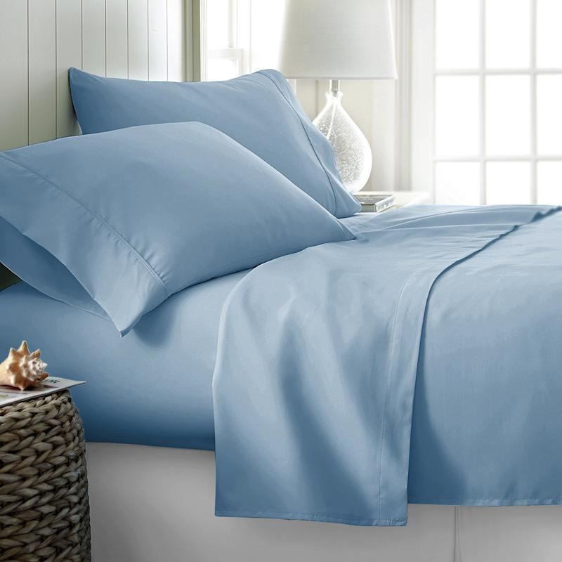 800 Thread Count 100% Long Staple Soft Egyptian Cotton Sheet Set. (Photo: Amazon)