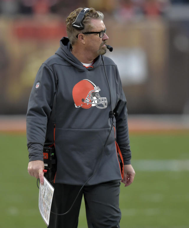 Cleveland Browns head coach Gregg Williams watches during the second half of an NFL football game against the Cincinnati Bengals, Sunday, Dec. 23, 2018, in Cleveland. (AP Photo/David Richard)