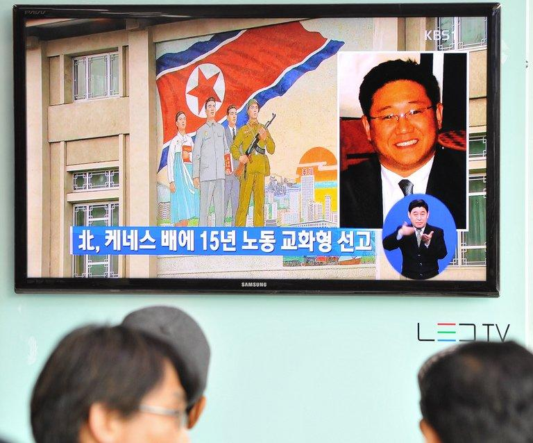 People in Seoul watch a TV report May 2, 2013 on Kenneth Bae, a Korean-American tour operator detained in North Korea