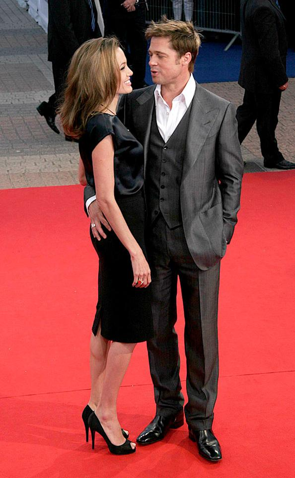 """That evening, Brad got up close and personal with another of his biggest fans: Angelina Jolie. Tonya Wise/<a href=""""http://www.splashnewsonline.com/"""" target=""""new"""">Splash News</a> - September 3, 2007"""