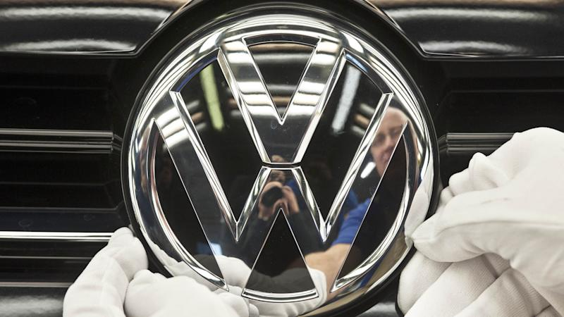 Volkswagen to hold diesel emissions scandal talks with German consumer group