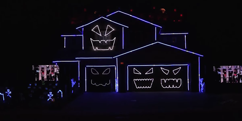 this rocky horror halloween light show trumps any christmas display